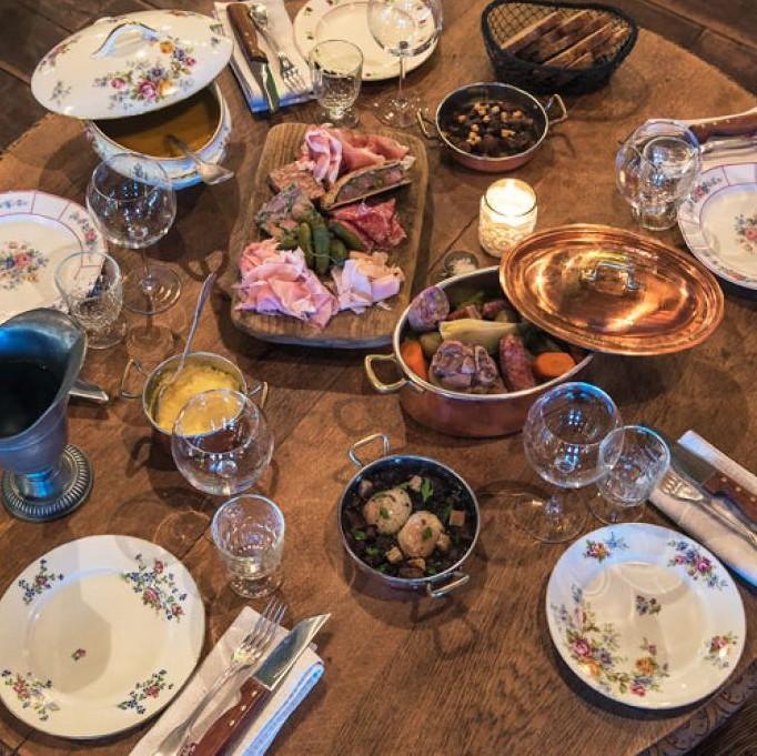 LA TABLE DE JEANNE