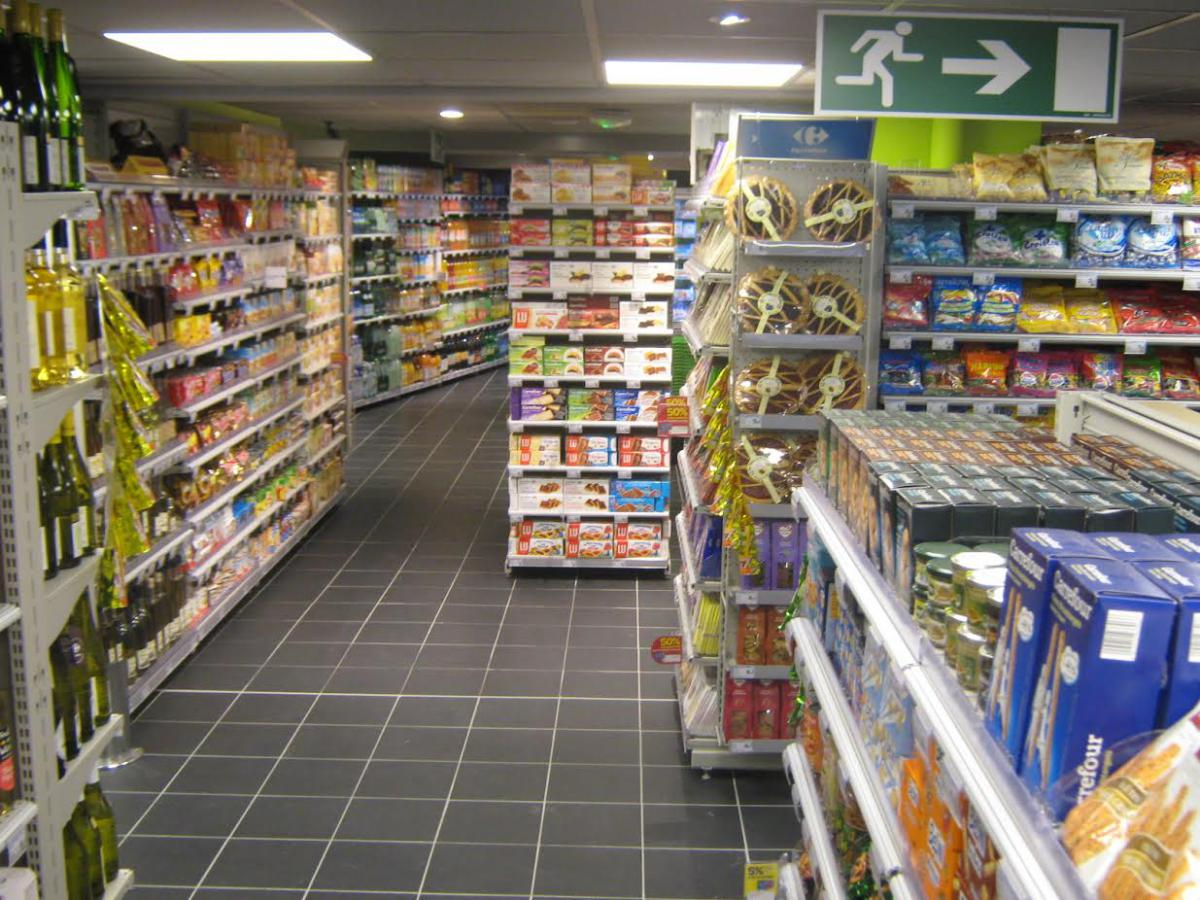 Supermarkets Tignes - Where to buy food French ski resort