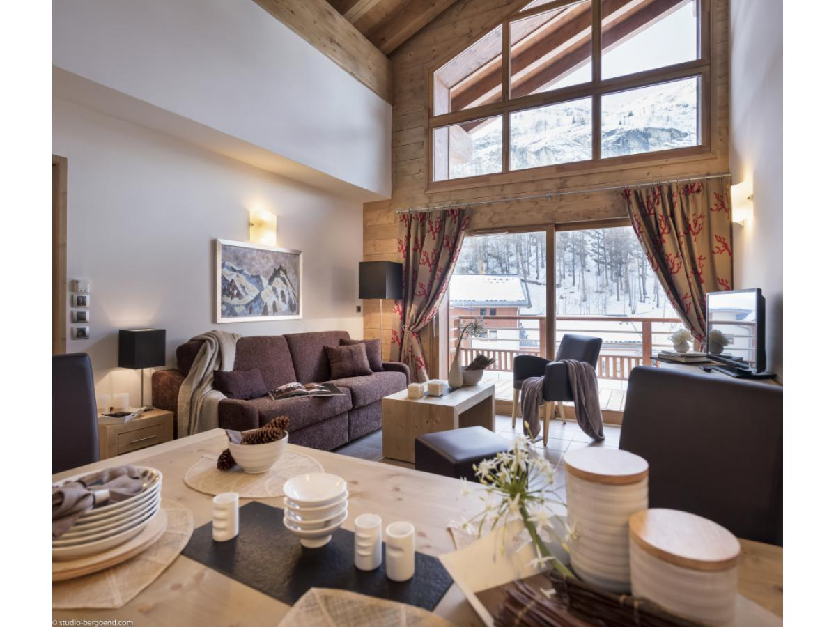 Reservation MGM CONSTRUCTEUR - REAL ESTATE AGENCIES Tignes